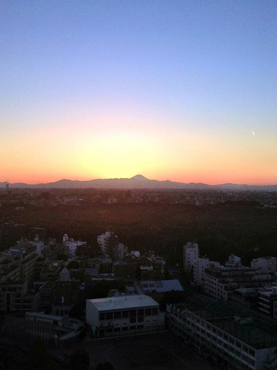 iPhone4Sで撮った神宮前オフィス(18F)からの夕焼けまとめ 2