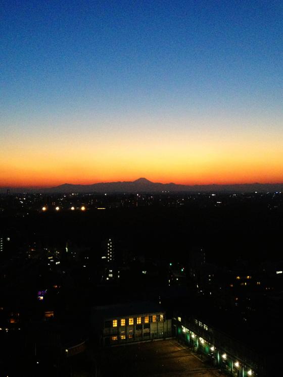 iPhone4Sで撮った神宮前オフィス(18F)からの夕焼けまとめ 3