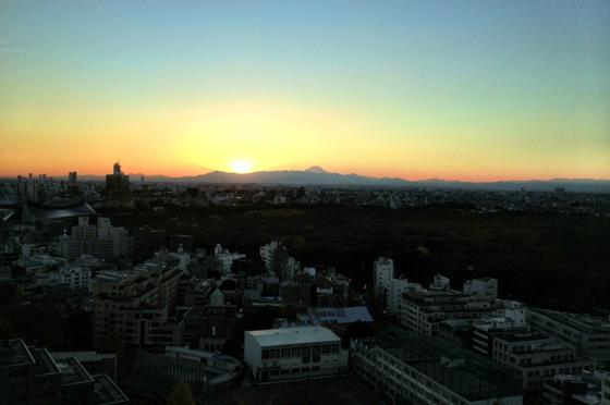 iPhone4Sで撮った神宮前オフィス(18F)からの夕焼けまとめ 6