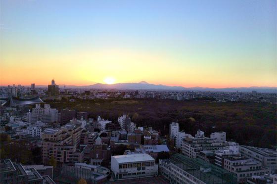 iPhone4Sで撮った神宮前オフィス(18F)からの夕焼けまとめ 7