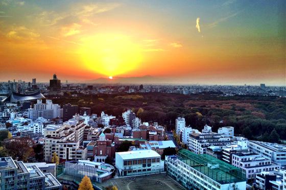 iPhone4Sで撮った神宮前オフィス(18F)からの夕焼けまとめ 8