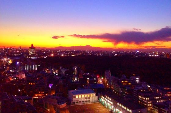 iPhone4Sで撮った神宮前オフィス(18F)からの夕焼けまとめ 9