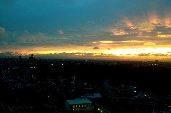 iPhone4Sで撮った神宮前オフィス(18F)からの夕焼けまとめ 10