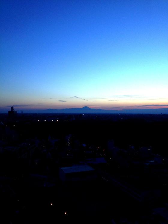 iPhone4Sで撮った神宮前オフィス(18F)からの夕焼けまとめ 11
