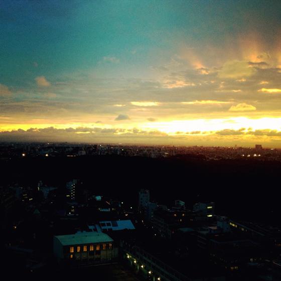 iPhone4Sで撮った神宮前オフィス(18F)からの夕焼けまとめ 14