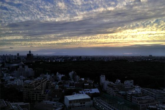 iPhone4Sで撮った神宮前オフィス(18F)からの夕焼けまとめ 17