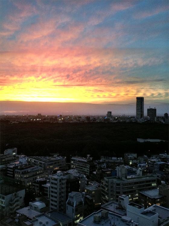 iPhone4Sで撮った神宮前オフィス(18F)からの夕焼けまとめ 18