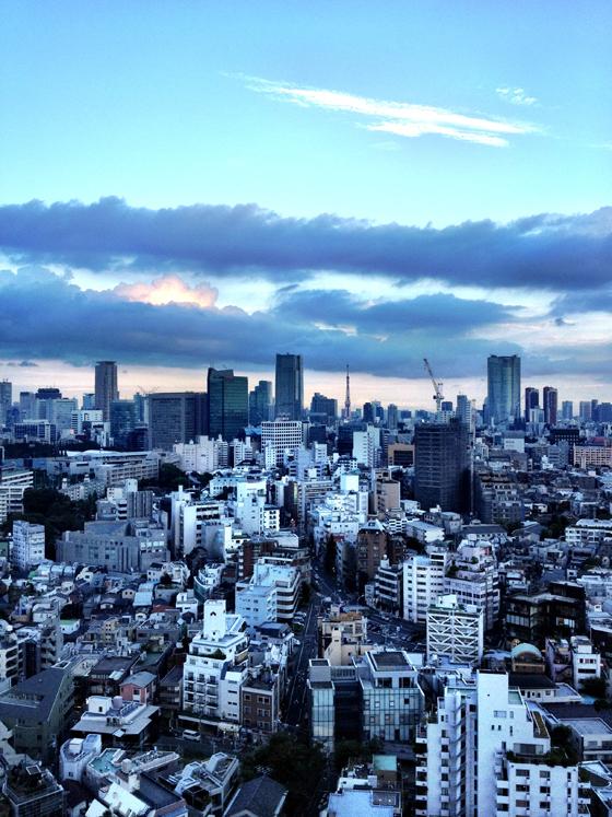 iPhone4Sで撮った神宮前オフィス(18F)からの眺め 5