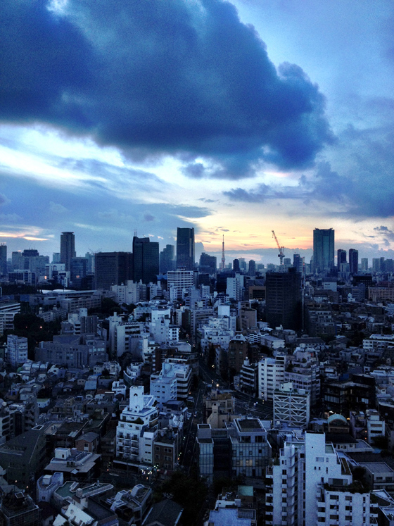 iPhone4Sで撮った神宮前オフィス(18F)からの眺め 6